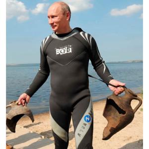 Poetin duikt amphorae op